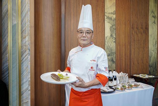 (中国烹饪大师、颜家菜传承人-颜卫星)